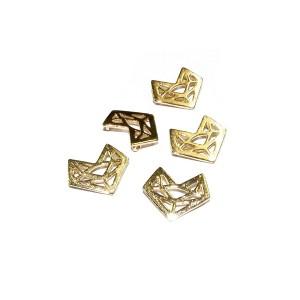 5% 14K Gold Plated Brass Geometric Fox Pendant 11mm x 13mm