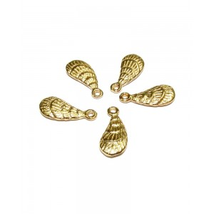 5% 14K GOLD PLATED SCALLOP SHELL W/RING 14 X 6.4 X 2 MM